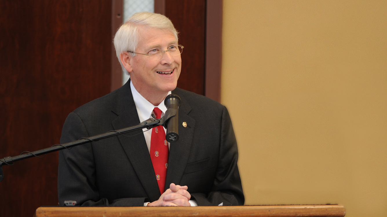 senator roger wicker essay Ellisville, miss — the latest on a us senate race in mississippi (all times local):4:30 pmactress sela ward's husband is running as a democrat for a us.