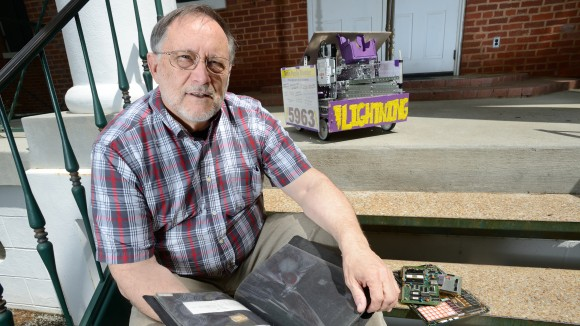 Microprocessor Inventor Ray Holt Finds New Passion in Teaching