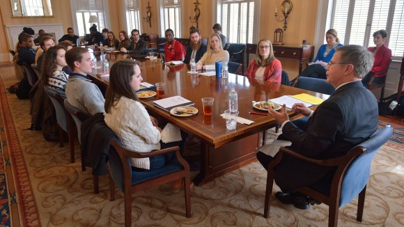 Vitter Launches Flagship Forum at Meeting with Student Leaders