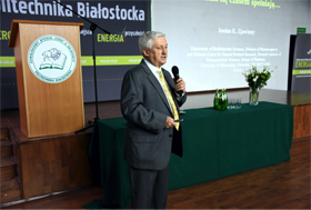 Zjawiony gives a keynote address at the Scientific and Research Centre's opening in November.