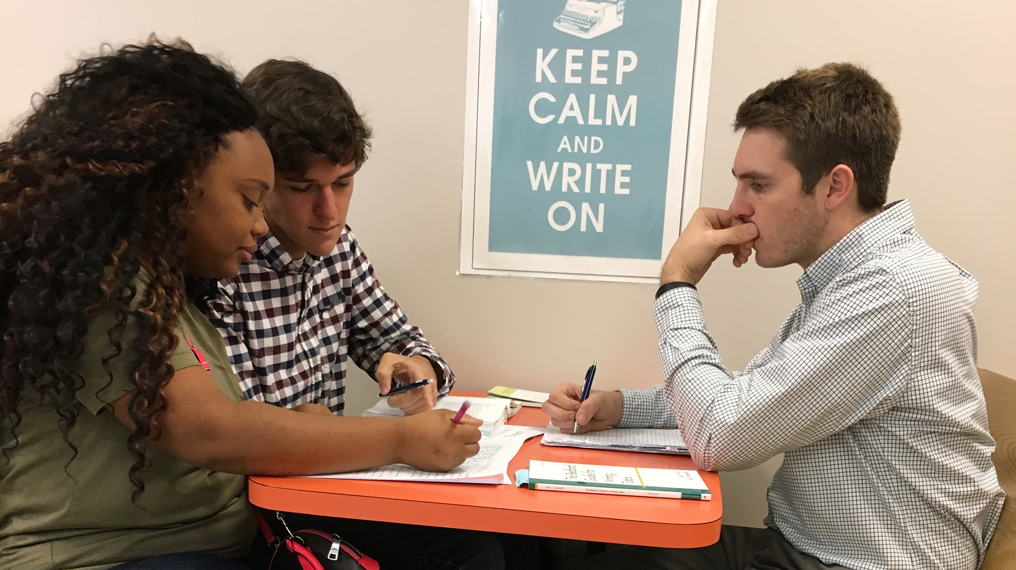 writing centers What we do: the writing center provides writing support to undergraduate and graduate students in one-on-one consultations and workshops.