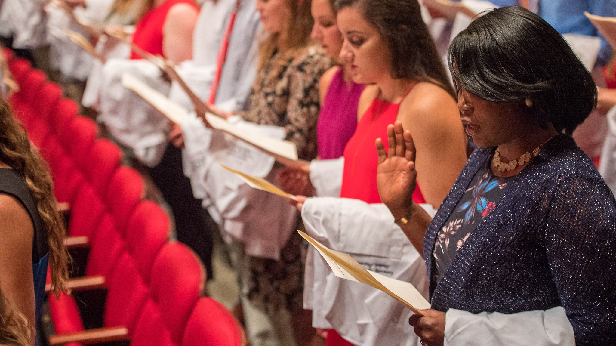 First-Year Pharmacy Students Receive White Coats - Ole Miss News
