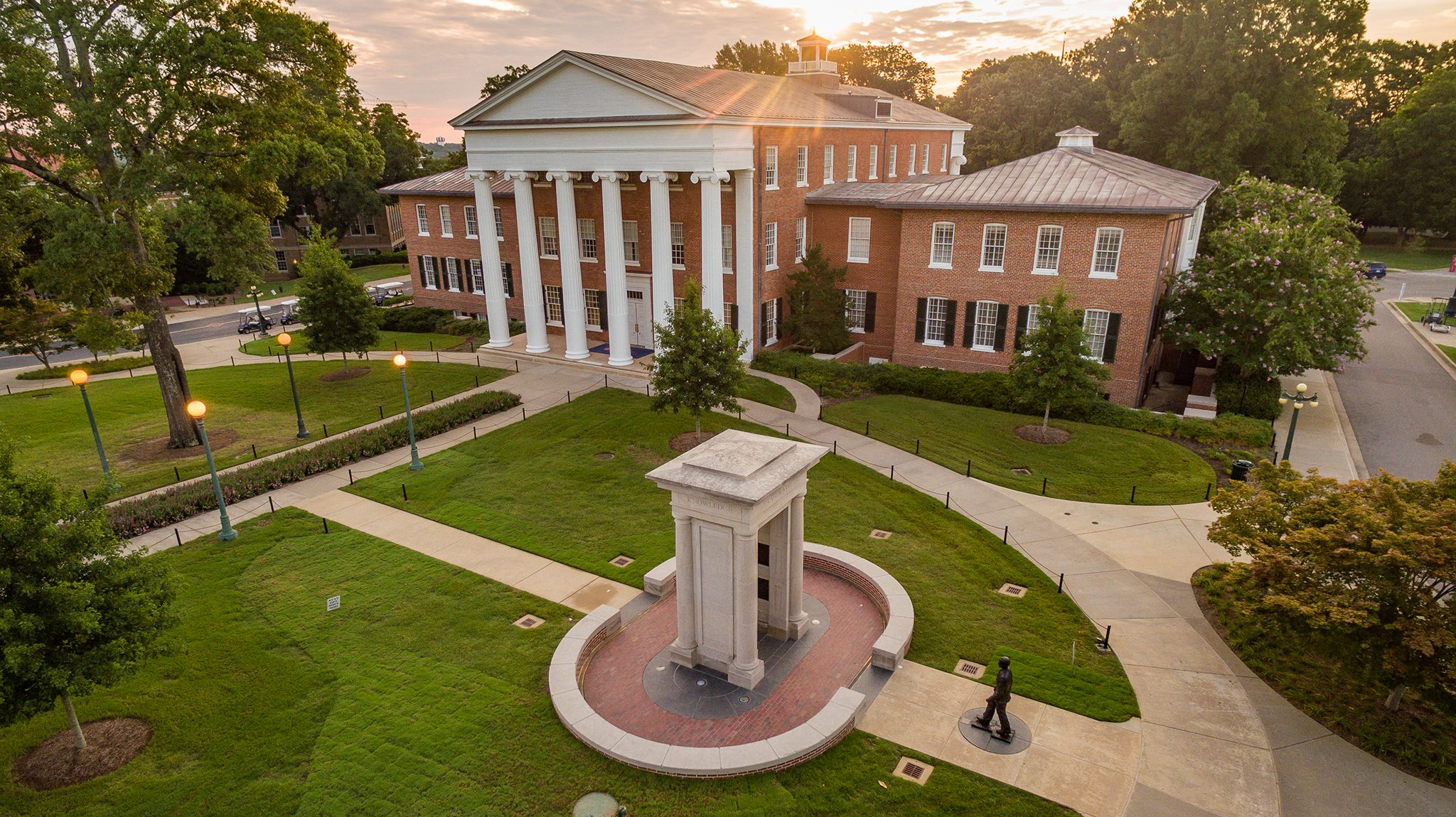 Um Again Named Among Great Colleges To Work For Ole Miss News