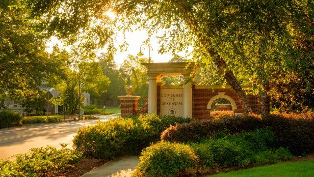 University Announces Spring 2021 Calendar, Commencement Plans
