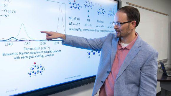 Greg Tschumper Wins Top Research Award