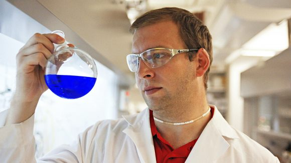 Chemistry Professor Examines New Forms of Fuel from Sunlight